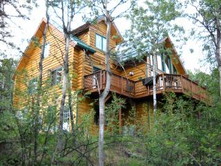 4 bedroom Cottage with Internet Access in Fairbanks - Fairbanks vacation rentals