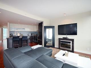 Coal Harbour at its finest! - Vancouver vacation rentals