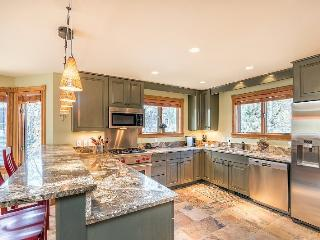 The Tomboy Townhome - 3 Bedrooms, 2 Bathrooms - Sleeps 7 - Steps to Lift 7 - Telluride vacation rentals