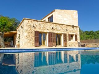 Beautiful 4 bedroom Villa in Porreres - Porreres vacation rentals