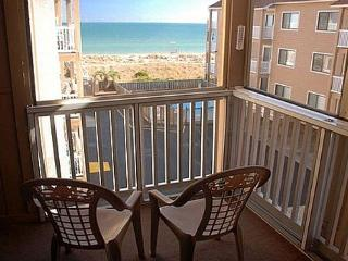 Sand Pebbles A26 - Enjoy great ocean views in this lovely oceanfront condo - Carolina Beach vacation rentals