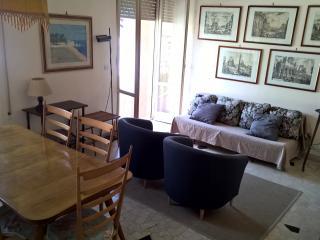 Cozy 3 bedroom Condo in Viareggio with Television - Viareggio vacation rentals