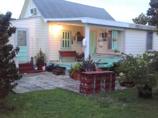 Beautiful 2 bedroom House in Abaco with Internet Access - Abaco vacation rentals