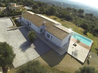 Fantastic Luxury Villa - Quiet location and proximity to Palma - Palma de Mallorca vacation rentals