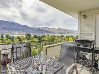 Modern condo with shared hot tub, seasonal pool, & stunning views - Chelan vacation rentals