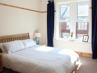 Beautiful, peaceful 2 bedroom Upper Tyneside flat - North Shields vacation rentals