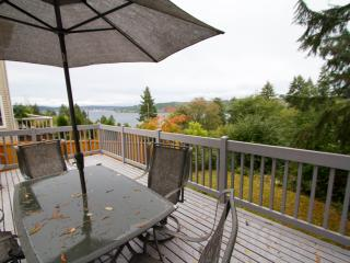 Charming Villa with Internet Access and Garage - Seattle vacation rentals