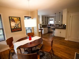 Charming 3 bedroom Villa in Seattle - Seattle vacation rentals