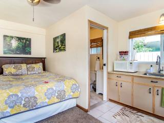 Studio by North Shore Beaches w/AC - Hauula vacation rentals