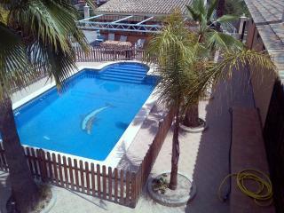 Chalet Peña las Águilas Elche, PISCINA, WIFI-12PAX - Elche vacation rentals