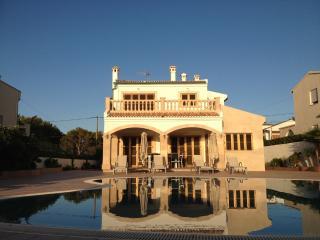 Bright 4 bedroom Villa in El Toro - El Toro vacation rentals