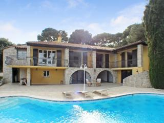 Nice Villa with Deck and Internet Access - Roquebrune-Cap-Martin vacation rentals