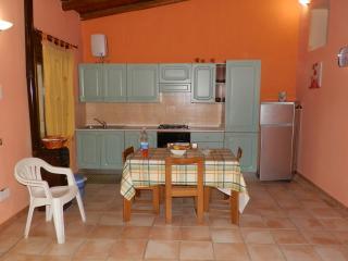 Villa Dany in spiaggia vicino Cefalu' - Campofelice di Roccella vacation rentals