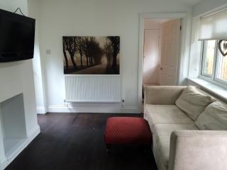 2 bed detached cottage - Buckhurst Hill vacation rentals