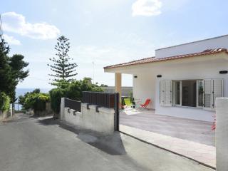 4 bedroom Villa with Internet Access in Santa Maria al Bagno - Santa Maria al Bagno vacation rentals