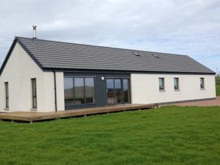 Perfect Bungalow with Deck and Internet Access - Sumburgh vacation rentals