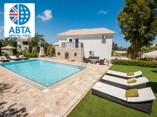 Oceanview Villa 050 - very spacious inside & out - World vacation rentals
