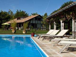 La Bergerie - Domaine de Petiosse - Saint-Julien-en-Born vacation rentals