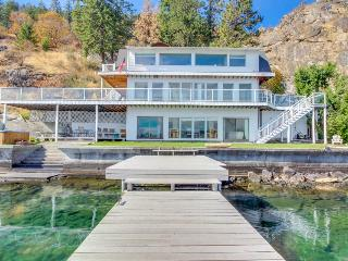 Lakefront w/ three levels, hot tub, dock, and great views - dogs OK! - Chelan vacation rentals