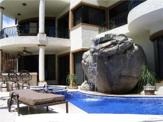 3BR/3.5BA, Private Pool & Jacuzzi, BBQ & Internet - Cabo San Lucas vacation rentals