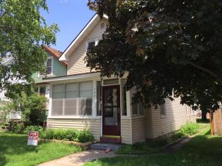 Nice 5 Bedroom House. $75 per room sleeps 2 - Winona vacation rentals