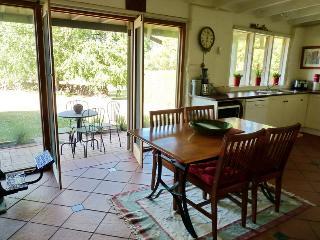 Black Cat Cottage & Truffles - Creswick vacation rentals
