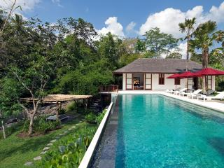 Villa Atacaya - an elite haven - Buwit vacation rentals