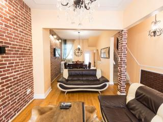 6 bedrooms  Luxury Victorian Townhouse in Downtown Toronto - Toronto vacation rentals