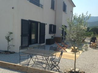 Nice Villa with A/C and Television - Pietracorbara vacation rentals
