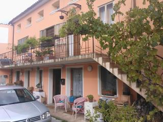 Nice Townhouse with Internet Access and Wireless Internet - Quero vacation rentals