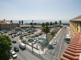 DOWNTOWN SEAVIEW APARTMENT - Lisbon vacation rentals