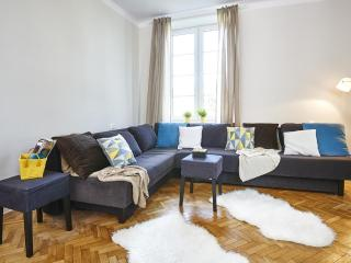 Charming Condo with Internet Access and Dishwasher - Warsaw vacation rentals