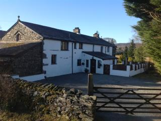 Luxury 6 Bedroom House with Large Garden & Parking - Ambleside vacation rentals