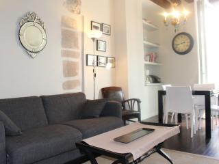 ST GERMAIN NOTRE DAME CHARMING  2 BEDROOMS - Paris vacation rentals