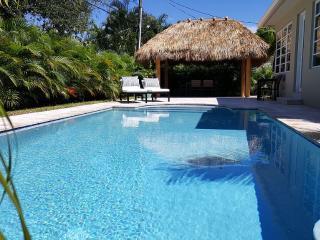 Atlantic House, 10 Min Walk To Beach, New Pool - Pompano Beach vacation rentals