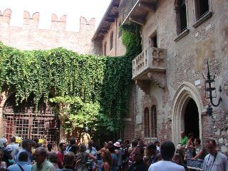Lungadige, Old Town, near Giulietta and Arena. - Verona vacation rentals