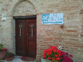 Nice Bed and Breakfast with Housekeeping Included and Fireplace - Abbadia di Fiastra vacation rentals