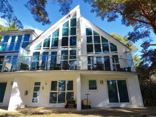 4 Red Sails - Poole vacation rentals