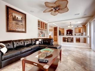 Elegant 4.5 Bedroom With Pool! 9 Miles from Strip! - Las Vegas vacation rentals