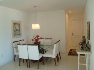 Apartamento 4 Suites Meia Praia Itapema. - Itapema vacation rentals
