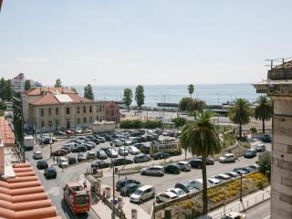 CITY CENTER SEAVIEW APARTMENT - Lisbon vacation rentals