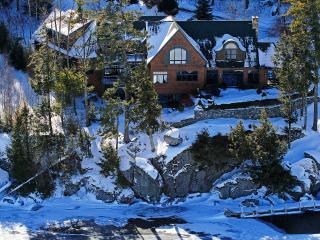 Lake Front Paradise Vacation Home - Alton vacation rentals