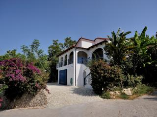 Nice 5 bedroom Villa in Yialova with Internet Access - Yialova vacation rentals
