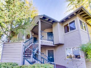 Riverfront condo w/ hot tub, shared pool & more! - Bend vacation rentals