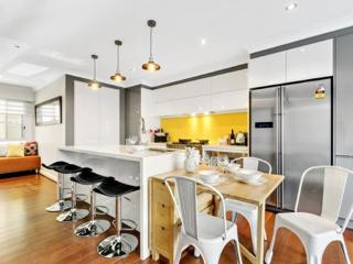 Perfect 4 bedroom House in Petersham - Petersham vacation rentals