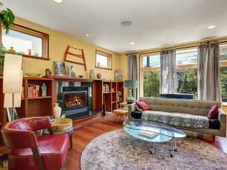 Spacious 7+ BR Phinney Ridge Vew House - Seattle vacation rentals