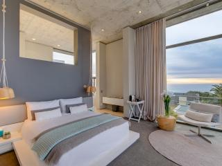 The Ocean View Retreat - Camps Bay - Bakoven vacation rentals