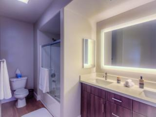 Beautiful 2 Bed 2 Bath Apartment In The Heart of Westwood - Los Angeles vacation rentals