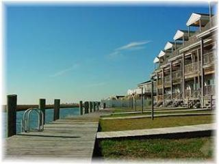 Nice 3 bedroom Chincoteague Island House with Internet Access - Chincoteague Island vacation rentals