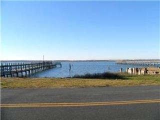 Nice House with Internet Access and Dishwasher - Chincoteague Island vacation rentals